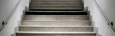 revetement pour escalier exterieur produits de mise en accessibilité des escaliers intérieurs okeenea