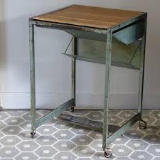 table cuisine escamotable tiroir desserte industrielle sur roulettes avec tiroir escamotable