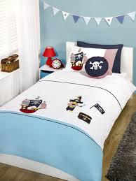 Small Boys Bedroom - bedroom cool boys bedroom idea with pirate theme using dark brown