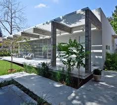 Single Floor House by Rectangular Shaped Single Floor House In Tel Aviv Israel