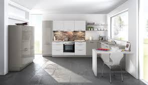 küche putzen ideen kuchen weiss lack poipuview mit impresionante hochglanz