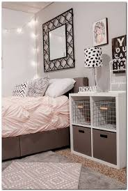 Bedroom Without Dresser by Best 25 Small Bedroom Organization Ideas On Pinterest Small