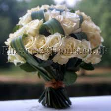 next day flowers uk flower delivery shop flowers24hours salutes fabulous mothers