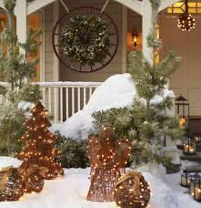 Tasteful Outdoor Christmas Decorations - outdoor christmas decorating ideas littlepieceofme