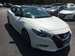 17 maxima platinum medallion pearl white cashmere leather nissan