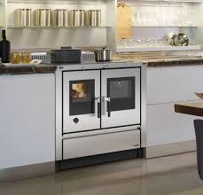 holzherd küche traditionell kochen und backen mit einem holzherd ist für viele