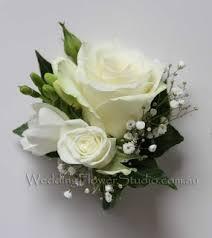 wedding flowers buttonholes corsages buttonholes wedding flower studio wedding florist