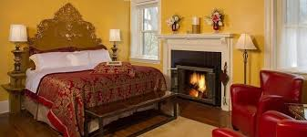 Bed And Breakfast Fireplace by Lodging In Asheville Nc Bed U0026 Breakfast Rooms Sweet Biscuit Inn