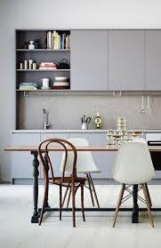 repeindre ses meubles de cuisine relooker des meubles de cuisine nos conseils peinture meuble de