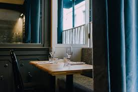 Glamorous Window Design With Couple The Most Romantic Restaurants In Paris Vogue