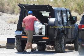 jeep safari concept 2017 jlu rear side windows previewed on jeep safari concept 2018