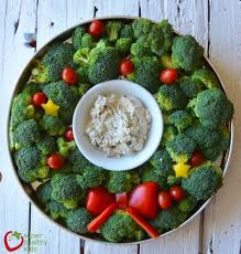 thanksgiving and christmas 7 holiday veggie tray ideas mom to mom nutrition