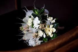 agence organisation mariage bouquet de la mariée rond pastel blanc par a fleur et à mesure