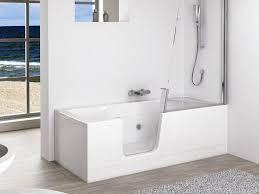 si e baignoire personnes ag s aménager une salle de bains pour une personne âgée
