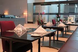 Building Dining Room Table Qatar First Class Check In And Al Safwa Lounge In Doha Doh