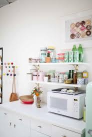etagere en verre pour cuisine rangement cuisine fonctionnel en 15 idées astucieuses et inspirantes
