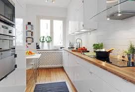 cuisine blanche parquet cuisine blanche plan de travail bois inspirations de déco