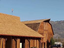 built around 1920 this pennsylvania dutch gambrel roof barn once