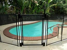 amazon com pool fence diy by life saver self closing gate kit