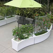 planters with trellis panels greenscreen caddetails