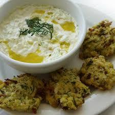 cuisine grecque recette beignets de courgettes kolokithakia keftedes