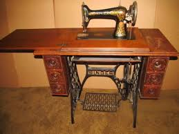 Antique Singer Sewing Machine And Cabinet Singer Red Eye 66 Tiger Oak Treadle Sewing Machine Like The