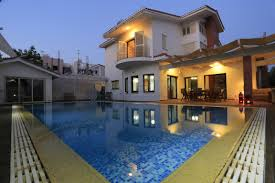 five bedroom 400m villa house with swimming pool