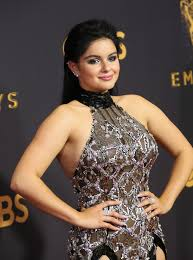 ariel winter wore a see through dress at the emmys