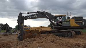 volvo north america volvo ec380e large tracked excavator in action youtube