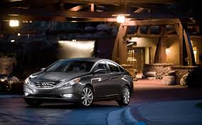 2013 hyundai sonata receives more equipment loses manual transmission