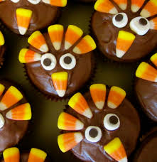 thanksgiving cupcakes would be easy for to do looks like