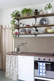 stauraum küche stauraum unter der arbeitsplatte so nähst du einen vorhang für