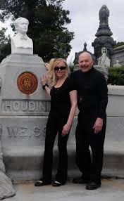 houdini u0027s queens gravesite to get a magic fix ny daily news