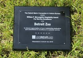 detroit metro convention visitors bureau detroit zoo earns top honors for customer service excellence