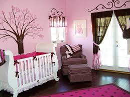 babyzimmer rosa rosa kinderzimmer für mädchen motive und charmante wanddeko