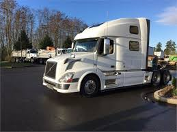 volvo sleeper truck volvo vnl64t780 in washington for sale used trucks on buysellsearch