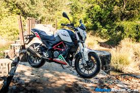 benelli motorcycle 2016 benelli tnt 25 test ride review