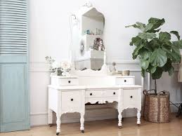 the 25 best mirror desk ideas on pinterest mirrored vanity desk