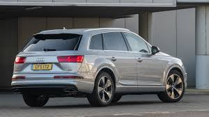 audi q7 3 0 tdi engine audi q7 3 0 tdi se 2017 review by car magazine