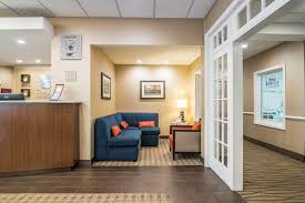 Comfort Inn Manchester Nh Book Comfort Inn And Suites White Mountains Hotel Deals