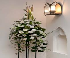 church flower arrangements christmas flower arrangement ideas church best images