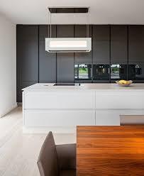 lack kchen schwarz küchenblock mit integriertem stauraum und geräte matt schwarz