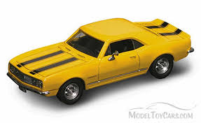 model camaro yatming road signature chevy camaro z28 1967 1 43 scale