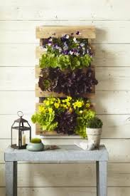 building a pallet garden living the country life