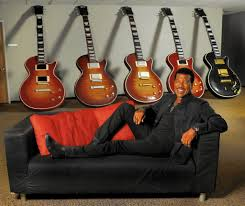 lionel richie reflects on his new vegas gig as a sure bet that