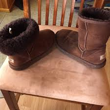 s gissella ugg boots ugg chocolate uggs 5251 size 6 ready for wear from toni s