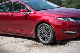 pothole what pothole the 2015 lincoln mkz barely notices them