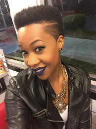short haircuts eith tapered sides tapered fade twa side part low cuts natural hair black women