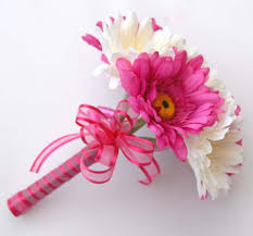 gerbera bouquet mixed gerbera bouquet in cerise pink and ivory bridesmaids bouquet