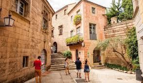 bureau vall tours испанская деревня poble espanyol барселона путеводитель happyinspain